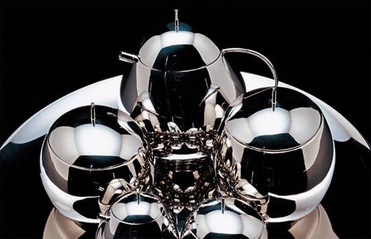 alessi-spring&summer 2007,Fruit basket family, designed by Japanese architects Kazuyo Sejima and Ryue Nishizawa