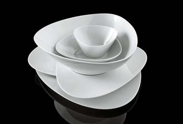 Colombina collection table set by Doriana and Massimiliano Fuksas:alessi Fall/winter 2007
