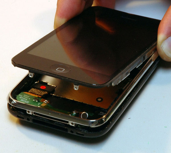 iPhone 3G Disassembly