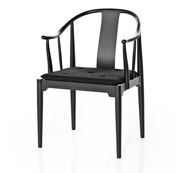 Hans J Wegner The China Chair by Fritz Hansen black version is natural ash wood