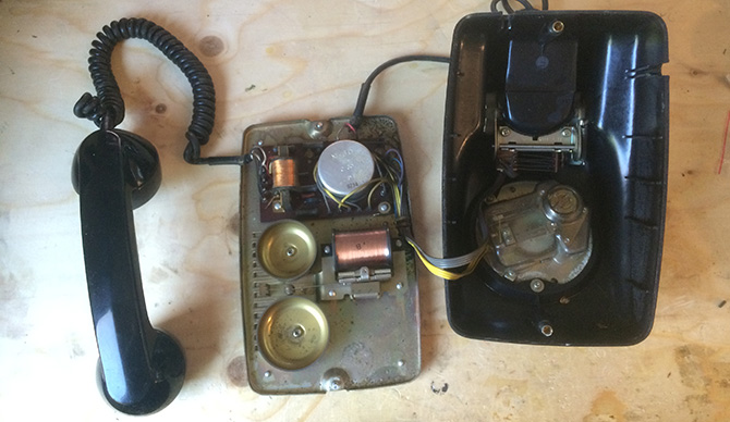 1960s Japanese Telephone teardown 41J