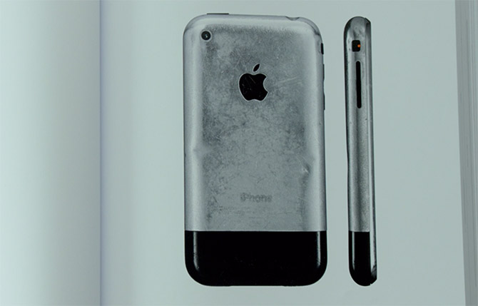 Evans Hankey's well-worn 1st gen iPhone from the official book of Apple Design