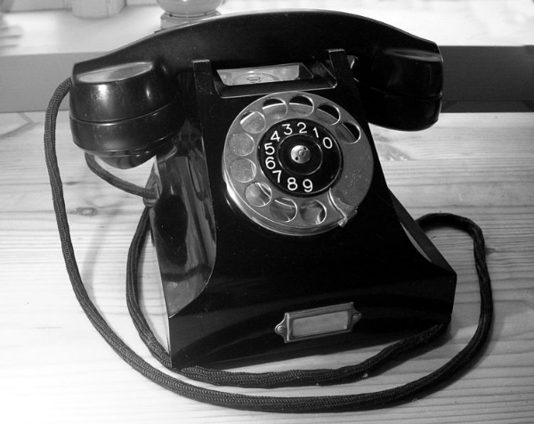 bauhaus telephone